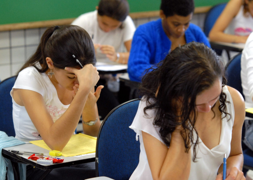 us visa study guide students taking test