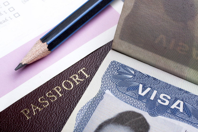 How to Live in teh UK After Studying There_Visas