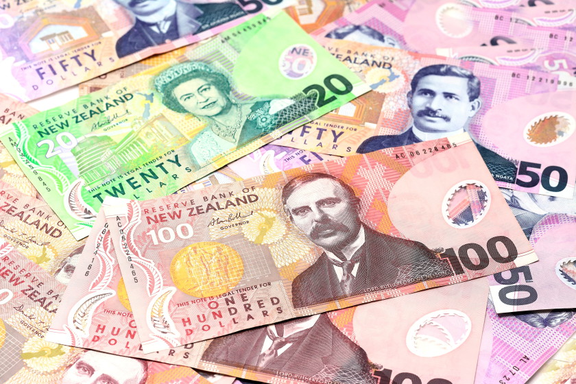 study in new zealand: money