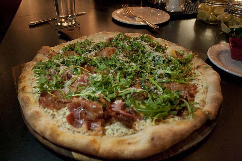 boston student life hacks: pizza
