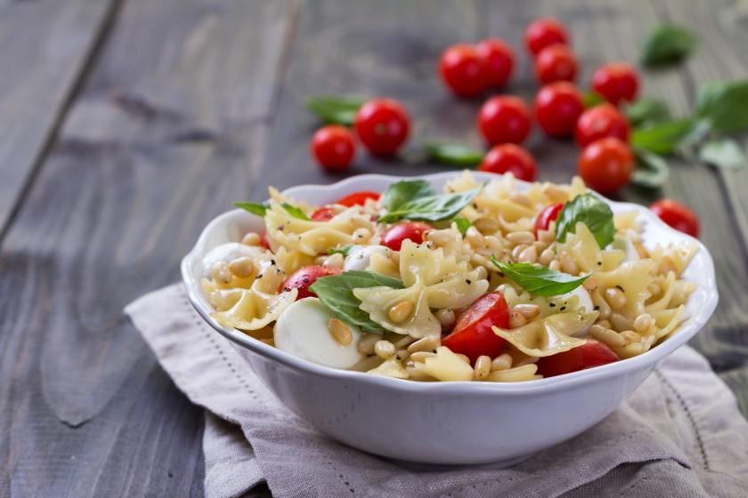 easy student meals: tomato pasta