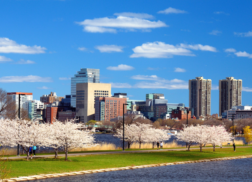 study spots for students in boston: charles river esplanade